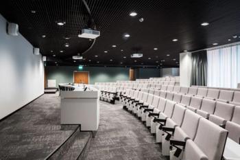 Työpajankatu 13 sisä auditorio