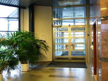Väinö Tannerintie 3,Vantaa sisäänkäynti