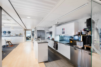 Kappelitie 8 sisä keittiö