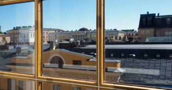 Aleksanterinkatu 30-34 sisä maisema katot ikkunasta