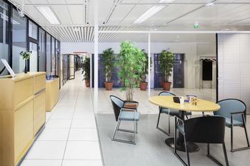 Levytie 2-4 sisä toimisto