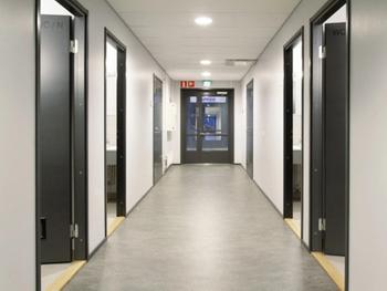 Rahtarinkatu 5 sisä toimistokäytävä