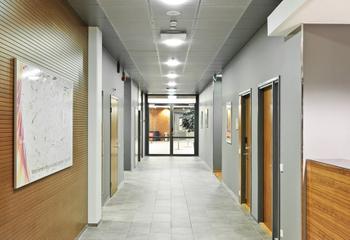 Karaportti 5 sisä toimisto käytävä 2